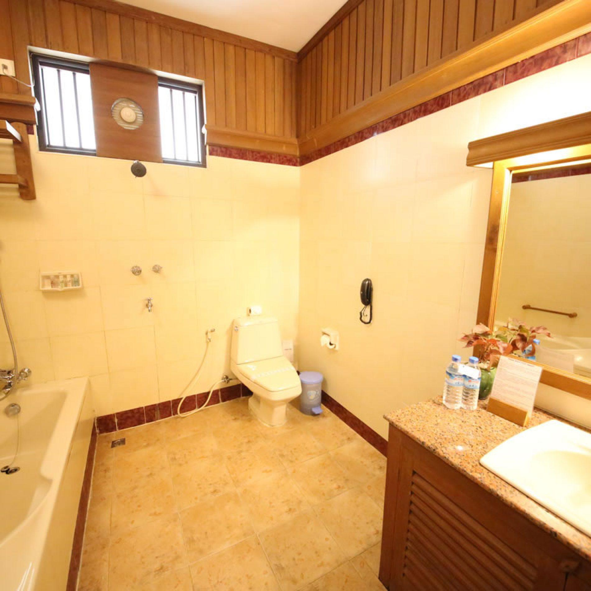 deluxe-garden-view-bathroom